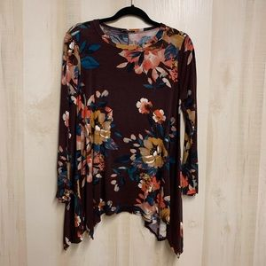 ✨3 for 20✨Jodifl Floral Tunic Size Small